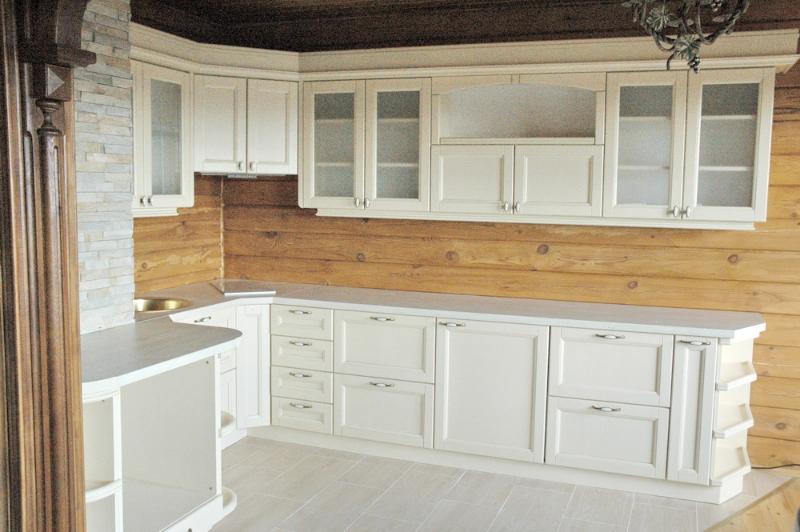 кухня в деревяном доме