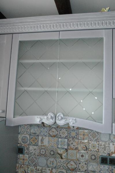карниз  кухонный и фасад с резьбой