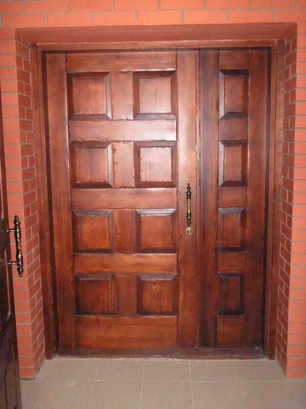 двери металлические входные с натуральным деревом
