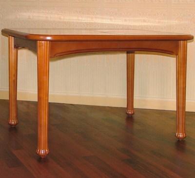 Стильный стол — украшение интерьера